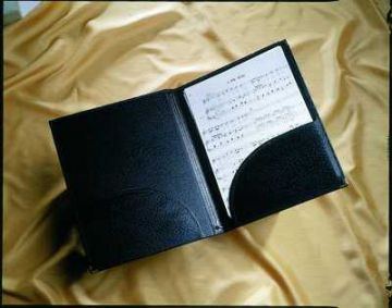 Music Folder - A4 choral folder, bottom pockets, strings